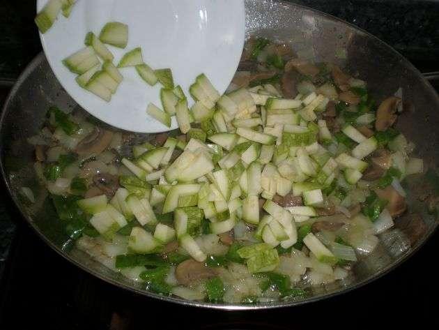Sofrito para el arroz con machacado de frutos secos