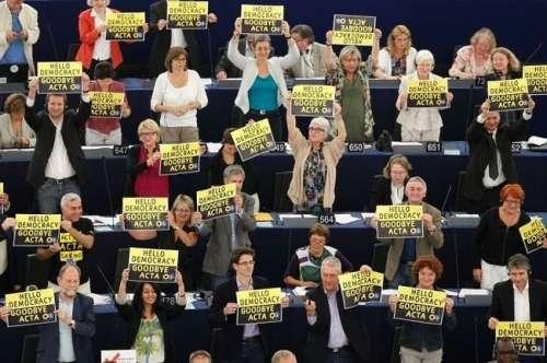 10342x500y500 - Hola democracia adiós ACTA y Kim Dotcom anuncia en Twitter el regreso de Megaupload